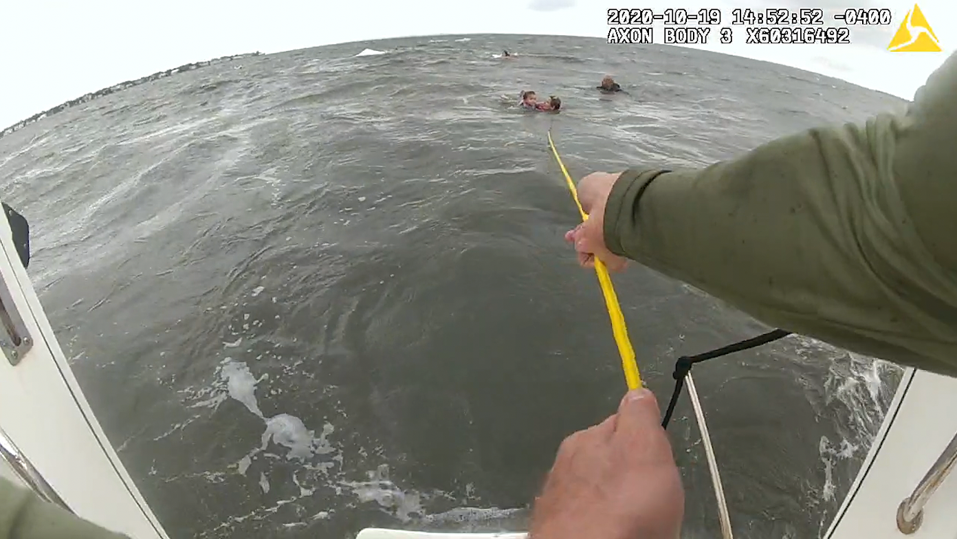 VIDEO: Seven rescued from capsized boat in Tampa Bay